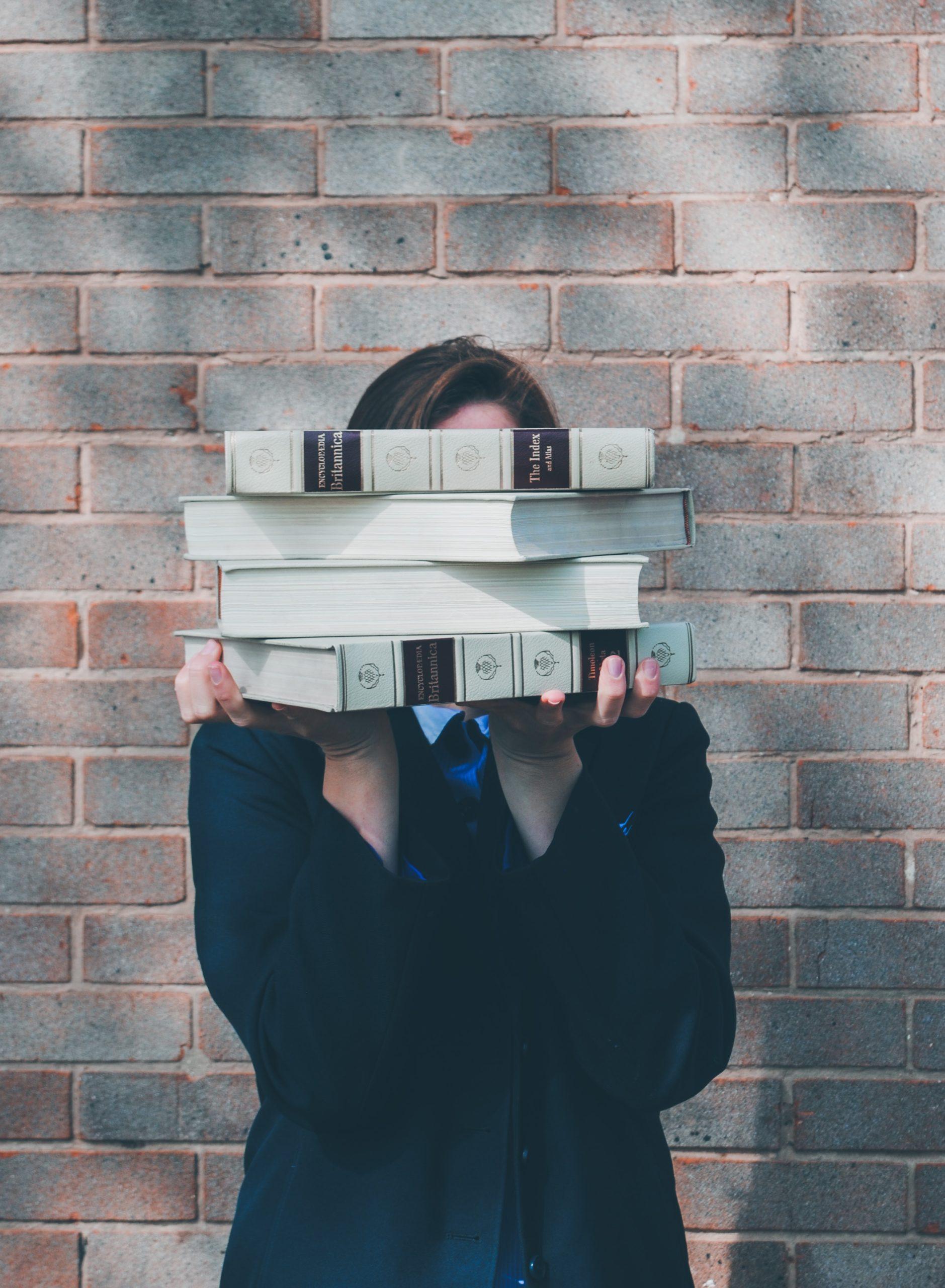 Bücher - Über Uns